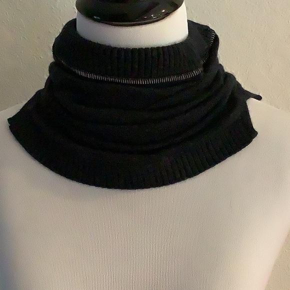 Lululemon - Neck Warmer - OS - Neck Gaiter Heathered Black MERINO WOOL - Women's